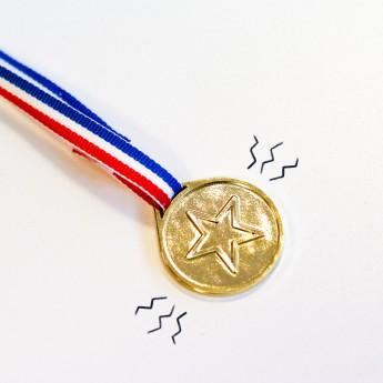 4 Médailles avec ruban...