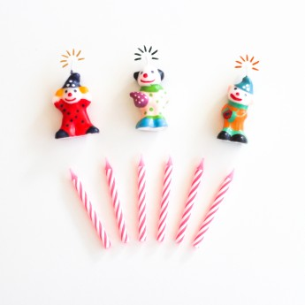 9 bougies et figurines clowns