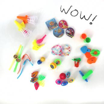 Sachet de 40 petits jouets...